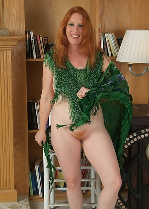 Hot Redhead Moms Porn Pictures