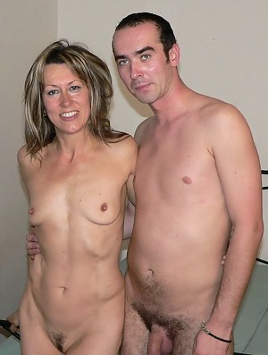 Hot Small Tits Moms Porn Pictures