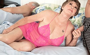 Hot Moms Cuckold Porn Pictures