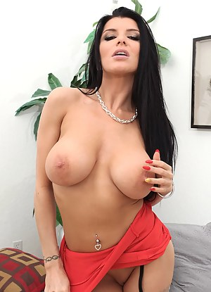 Hot Moms Pornstar Porn Pictures
