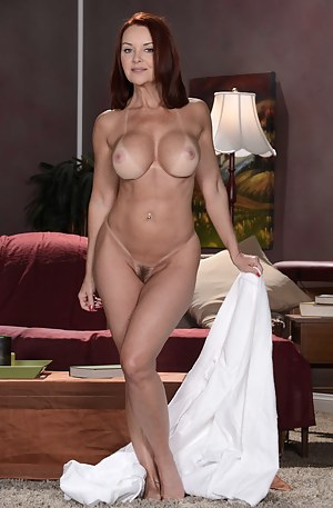 Hot Cougar Moms Porn Pictures