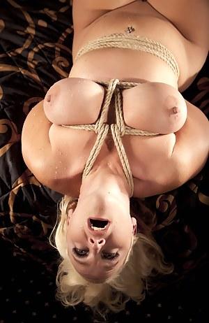 Hot Big Natural Tits Moms Porn Pictures