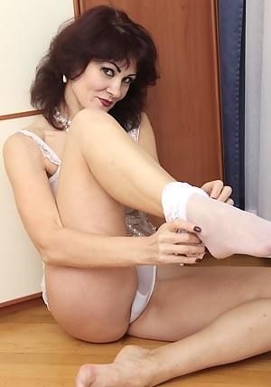 Hot Moms Legs Porn Pictures