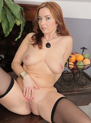 Hot Perfect Tits Moms Porn Pictures