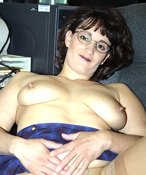 Hot Moms Piercing Porn Pictures