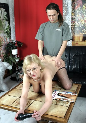 Hot Moms Doggystyle Porn Pictures