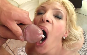 Hot Cum in Moms Mouth Porn Pictures