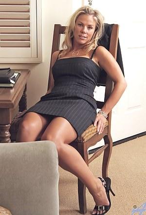 Hot Moms Dress Porn Pictures