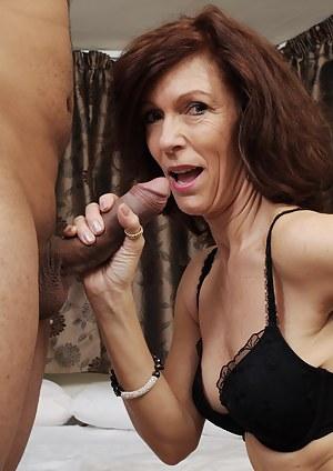 Hot Moms Handjob Porn Pictures